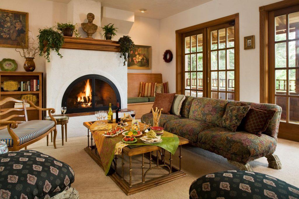 Arch Cape Inn living room