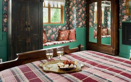 Parisian Room at Arch Cape Inn